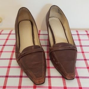 Brown Naturalizer pumps